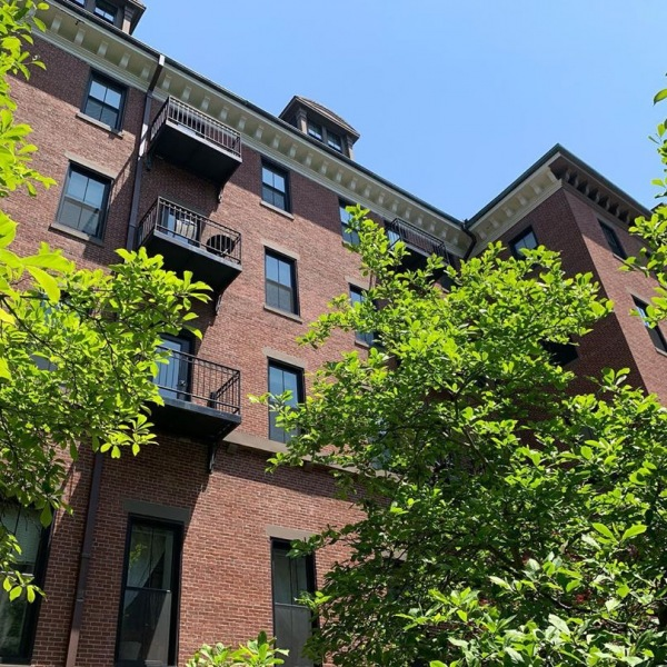 How many city apartments can say they have balconies overlooking not one but TWO gorgeous green courtyards!  Ask us about our move-in specials today!